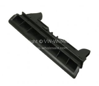 German quality centre dash vent trim for padded dash 8/67-79 - OEM PART NO: 113255483