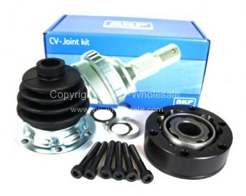 German quality SKF CV joint with boot kit grease and bolts for IRS rear axle  - OEM PART NO: 171498103
